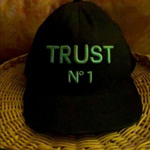 Accessories - Trust No 1 Balck fitted Hat